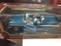 ROAD92108 - Road Legends miniatura de metal 1:18 1957 Chevy Bel Air Convertible